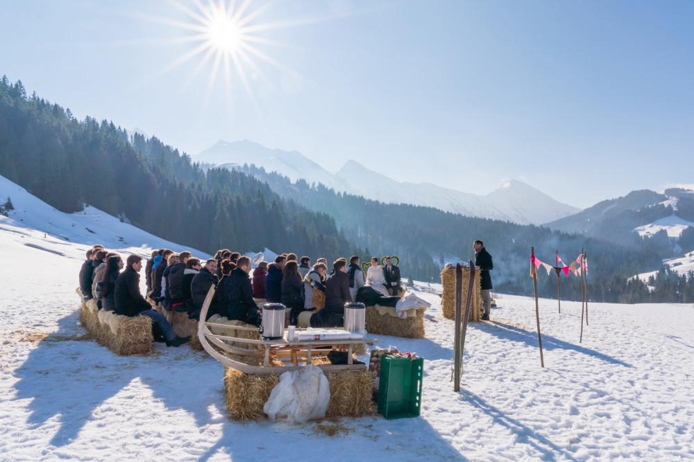 Kennenlernen schweizerdeutsch Flirten auf schweizerdeutsch - Erfolgreich flirten durch männliches selbstbewusstsein